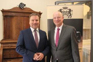 von links: Verbandsgeschäftsführer Jan Loleit, sein Vorgänger Heinz Essel