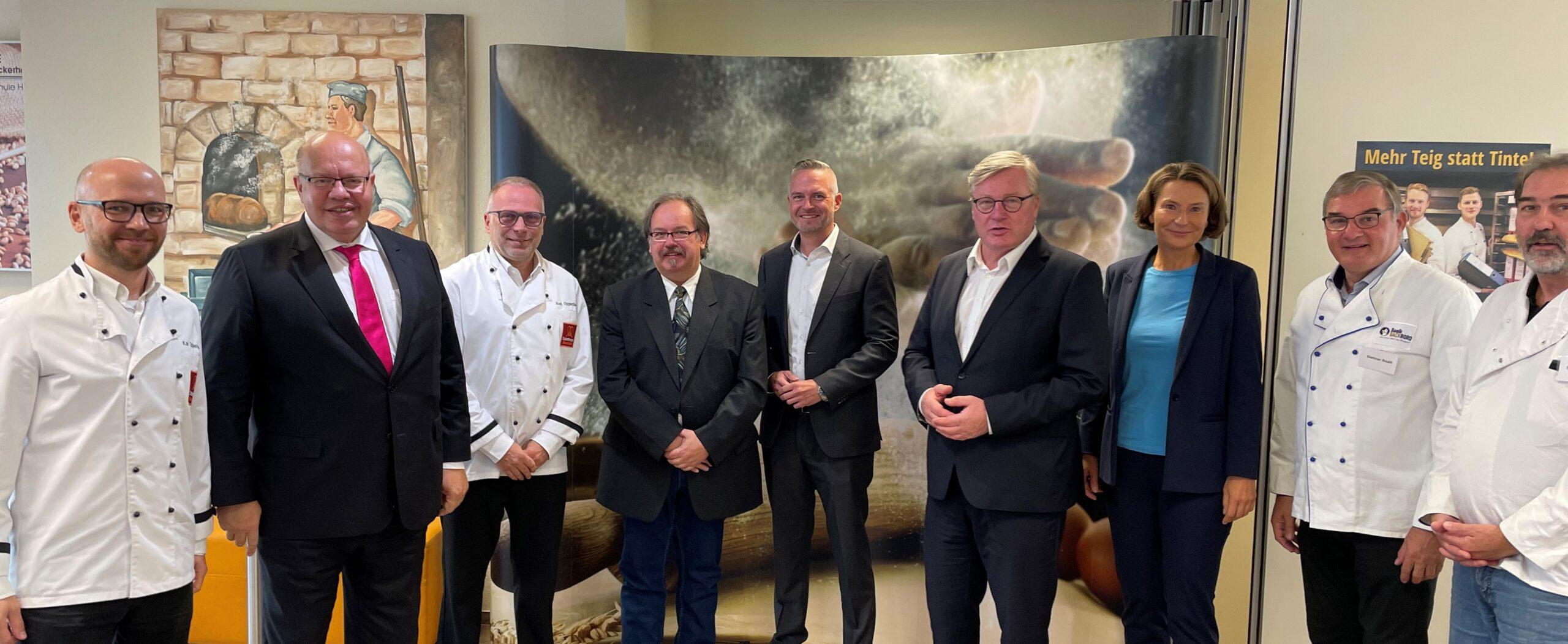 Bundesminister Altmaier und Landesminister Althusmann diskutieren mit Bäckern in Niedersachsen